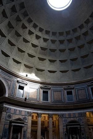 Pantheon sunlight