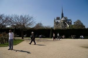 Enjoying the park behind Notre Dame